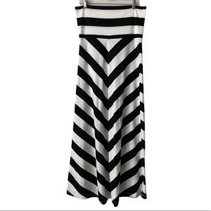 Hive & Honey Fold-Over Black White Maxi Skirt